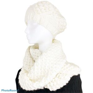 Old Navy Infinity Scarf and Tam Set NWT